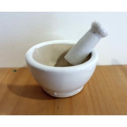 Keramikmörser und Stößel